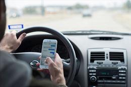 Nhắn tin khi lái xe bị phạt tiền tại bang Florida