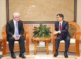 Phó Thủ tướng Vũ Đức Đam tiếp Đại sứ Australia chào từ biệt