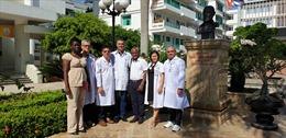 Chuyên gia y tế nhi khoa và ung bướu của Cuba sang làm việc tại Quảng Bình