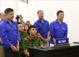 Hoãn phiên tòa xét xử Hưng 'kính' và đồng phạm cưỡng đoạt tài sản tại chợ Long Biên