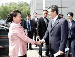 Chủ tịch Quốc hội Nguyễn Thị Kim Ngân thăm Trung tâm triển lãm Trung Quan Thôn, Trung Quốc