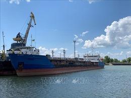 Ukraine khám xét một tàu chở dầu của Nga