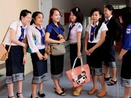 Nồng ấm mối quan hệ giữa sinh viên Lào và gia đình Việt