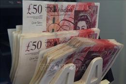 Đồng bảng Anh lao dốc do Brexit hỗn loạn