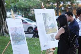 Tình yêu của người dân Thủ đô qua Triển lãm ảnh 'Vì một Hà Nội đáng sống'