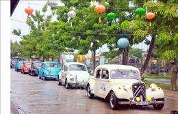 Độc đáo màn trình diễn xe cổ tại thành phố Hội An, Quảng Nam