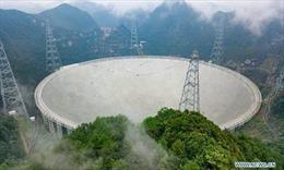Kính viễn vọng khổng lồ của Trung Quốc thu được tín hiệu bí ẩn trong vũ trụ