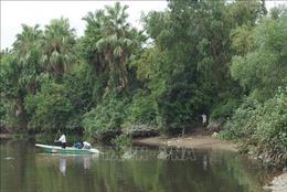 Nghiêm cấm đánh bắt thủy hải sản trên khúc sông nghi có cá sấu