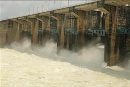 Nước từ thượng nguồn về lớn, thủy điện Trị An xả lũ điều tiết hồ chứa