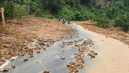 Hỗ trợ các hộ dân ở Bảo Lộc di dời khỏi khu vực sạt lở do mưa lũ