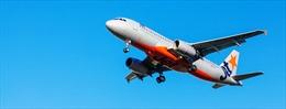Máy bay Jetstar Australia hạ cánh khẩn cấp do nứt kính buồng lái
