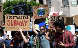 Phong trào biểu tình 'chống sự tuyệt chủng' ở hai bờ Đại Tây Dương