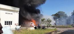 Kịp thời dập tắt đám cháy tại công ty chuyên sản xuất mút xốp