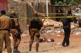 Đánh bom làm 33 người thương vong ở Burkina Faso