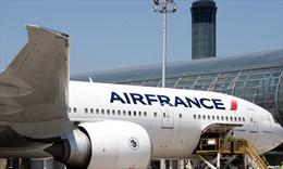 Phát hiện thi thể một trẻ em trong càng máy bay ở Paris