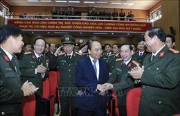 Thủ tướng kiểm tra công tác sẵn sàng chiến đấu và chúc Tết tại Bộ Tư lệnh Cảnh vệ