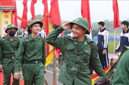 Thanh niên Hà Nội hăng hái lên đường nhập ngũ