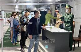 Sáng 16/3, 3 chuyến bay đưa 159 người về từ châu Âu hạ cánh xuống Sân bay Vân Đồn