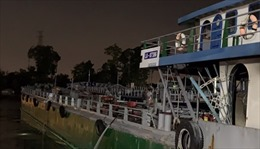 Cháy tàu dầu trên sông Đồng Nai khiến hai người chết, một người mất tích