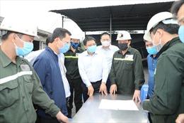 Cứu hộ 6 công nhân mắc kẹt do tụt lò than ở Cẩm Phả