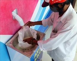 Ấm lòng người nghèo trong mùa dịch COVID-19 từ những 'ATM gạo'