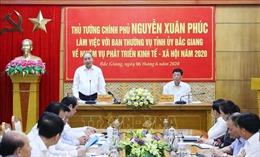 Thủ tướng: Bắc Giang cần chuyển mô hình tăng trưởng từ chiều rộng sang chiều sâu