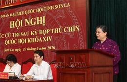 Phó Chủ tịch Quốc hội Tòng Thị Phóng tiếp xúc trực tuyến với cử tri Sơn La