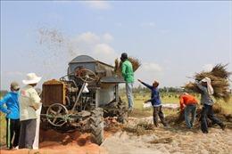 'Kỹ sư' vùng biên sáng chế nhiều máy nông nghiệp hữu ích