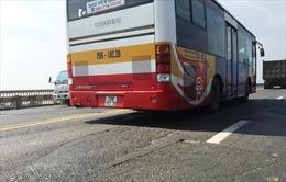 Điều chỉnh lộ trình 16 tuyến buýt để sửa cầu Thăng Long