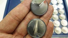 Latvia phát hành 'đồng xu hy vọng' trong dịch COVID-19