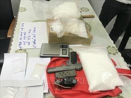 Phạt tù đối tượng tàng trữ trái phép ma túy và vũ khí quân dụng
