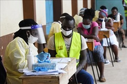 Số ca mắc COVID-19 tại châu Phi tăng đột biến