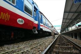 Đường sắt tạm ngừng chạy đôi tàu khách SE11/SE12 Hà Nội - TP Hồ Chí Minh
