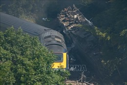 Anh điều tra nguyên nhân vụ tàu trật đường ray khiến 3 người thiệt mạng