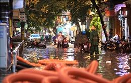 Cảnh báo ngập úng tại Hà Nội và lũ quét, sạt lở đất ở vùng núi Bắc Bộ
