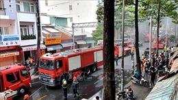 Cháy lớn nhà dân ở trung tâm Thành phố Hồ Chí Minh