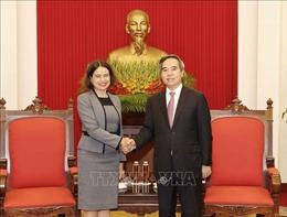 Trưởng ban Kinh tế Trung ương Nguyễn Văn Bình tiếp Đại sứ Australia tại Việt Nam