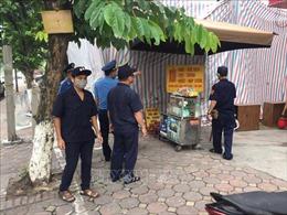 Hà Nội: Tình trạng lấn chiếm vỉa hè kinh doanh diễn ra tràn lan, bất chấp lệnh cấm