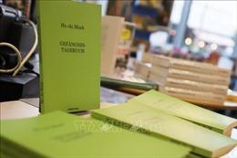 Tái bản cuốn 'Nhật ký trong tù' bằng tiếng Đức nhân kỷ niệm 130 năm ngày sinh Chủ tịch Hồ Chí Minh