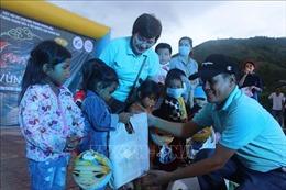 Mang Trung thu đến với trẻ em nghèo vùng cao Khánh Sơn