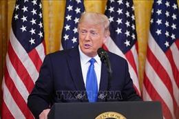 Tổng thống Donald Trump mạnh tay chi cho các dịch vụ pháp lý