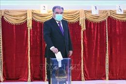 Đương kim Tổng thống Tajikistan Imomali Rakhmon tái đắc cử nhiệm kỳ thứ 5