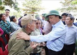 Thủ tướng Nguyễn Xuân Phúc kiểm tra công tác khắc phục hậu quả lũ lụt tại Quảng Bình
