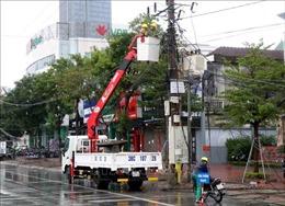 Mưa lớn, lốc xoáy khiến nhiều nhà dân bị tốc mái, đổ sập tại Hà Tĩnh
