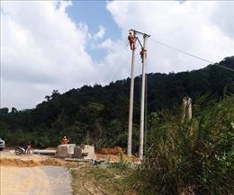 Khôi phục, cấp điện trở lại cho xã vùng cao của tỉnh Quảng Bình