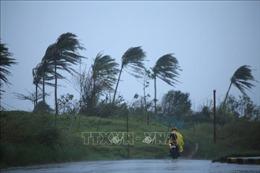 Gió mạnh kèm theo mưa lớn phá hủy hàng trăm ngôi nhà tại Campuchia