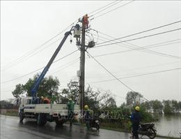 Làm xuyên đêm, Điện lực Quảng Bình đã đóng điện cho 100% khách hàng
