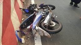 Xe máy tông vào đuôi xe ô tô, 2 người tử vong tại chỗ