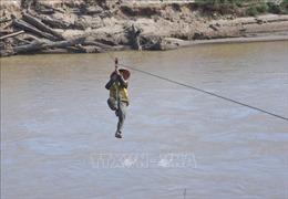 Người dân mong mỏi một cây cầu bắc qua sông Pô Kô