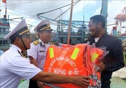 Vùng 4 hải quân - Điểm tựa để ngư dân vươn khơi bám biển